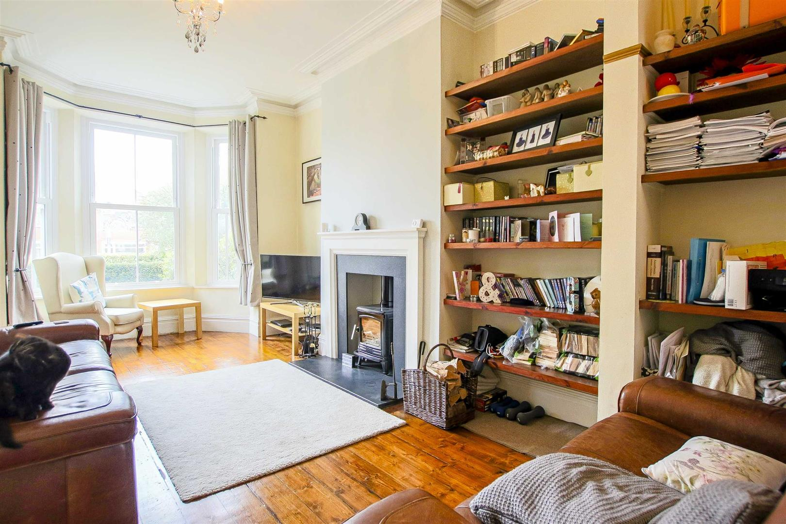 5 Bedroom Terraced House For Sale - Image 3